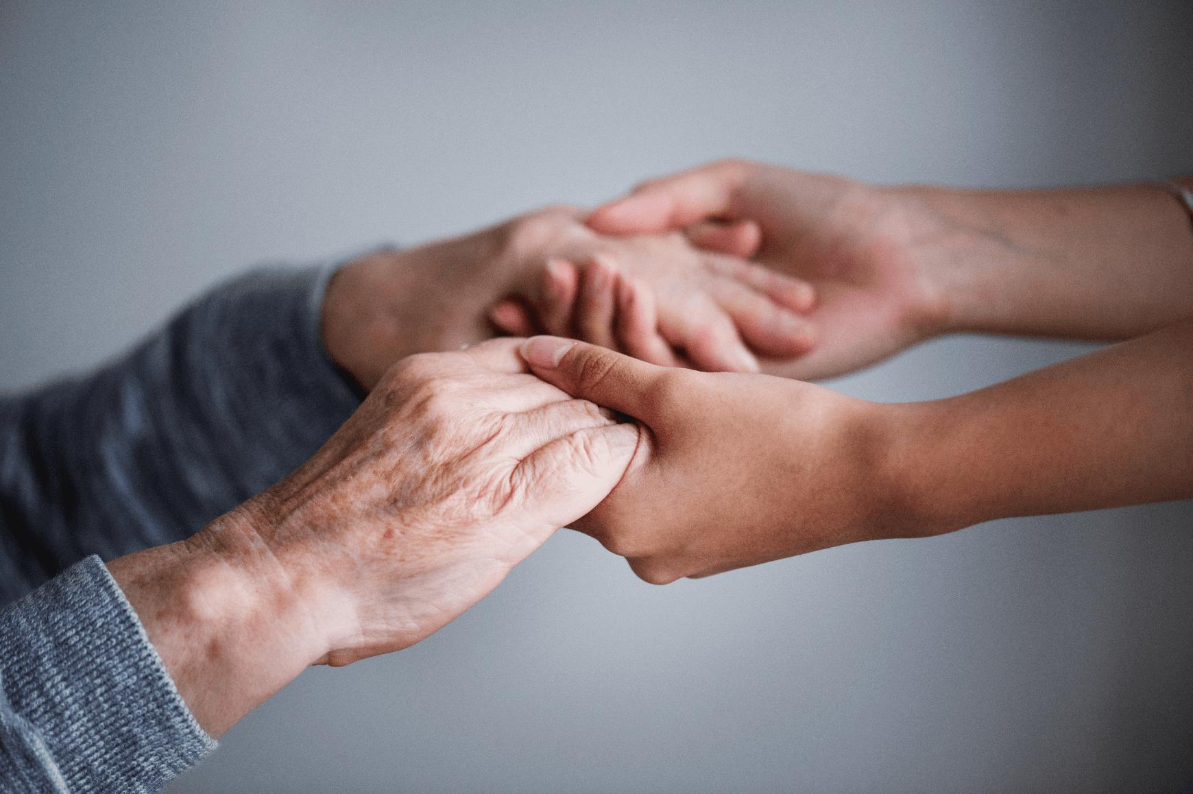 main dans la main retraite